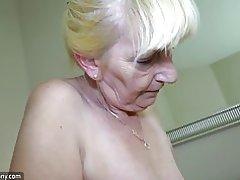 Oldnanny noor tüdruk Masturboida ja köniinsä