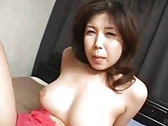 Päris busty Jaapani milf- & s vitt creampied