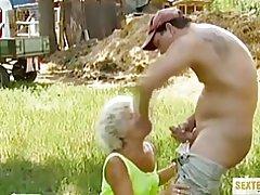 Perversne sugu vanaema